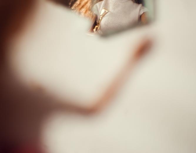 Um ensaio fotografico pode ajudar a elevar a auto estima? A fotografia reflete a maneira como nos vemos, se estamos bem, ficamos bem na foto. Podemos até estar bonitos por fora, mas se temos sentimentos auto depreciativos por dentro… isso vai refletir!!